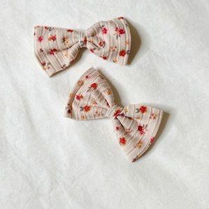 NEW ✨ Floral rib hair bow (medium)